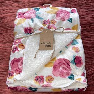 NEW Baby Girl Floral Print Blanket!